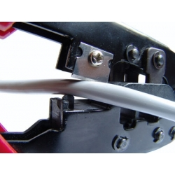 PINZA IN METALLO PER CRIMPARE CONNETTORI TELEFONICI MODULARI RJ12 6 POLI E 8 POLI RJ45 (DN-94007)